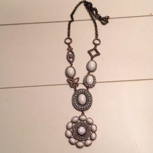 Jewelmint White Flower Necklace.